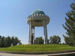 Памятник Алишеру Навои, Ташкент