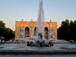 Большой театр оперы и балета им. Навои, Ташкент